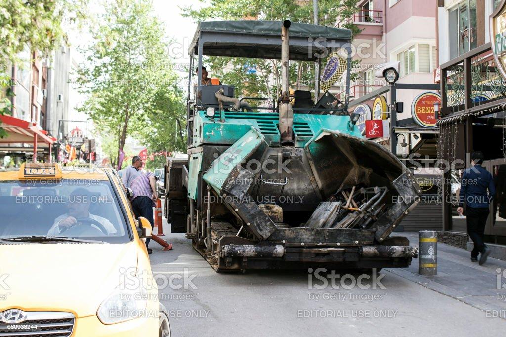 makine şehrin kaldırım asfalt stok fotoğrafı