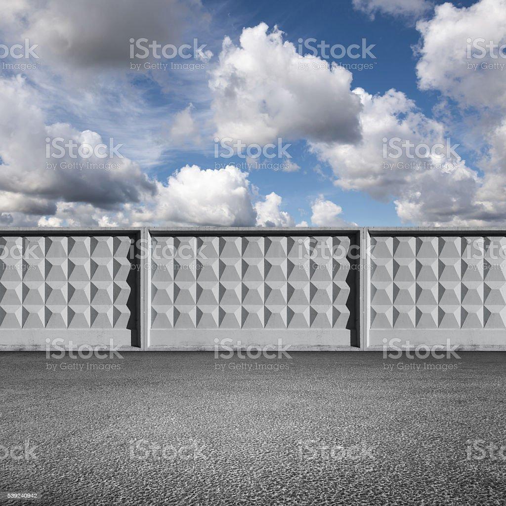 Carretera de Asfalto, cemento valla de gris foto de stock libre de derechos