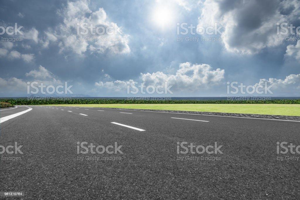 Road, Thoroughfare, Dividing Line, Sky, Street