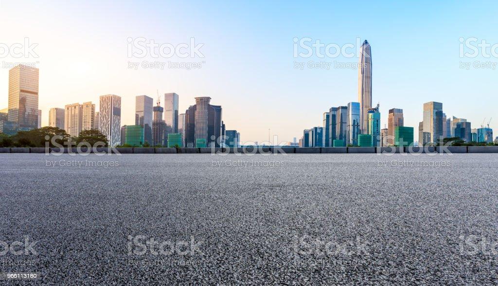 Asphalt square road and modern city skyline panorama in Shenzhen - Royalty-free Alfalto Foto de stock