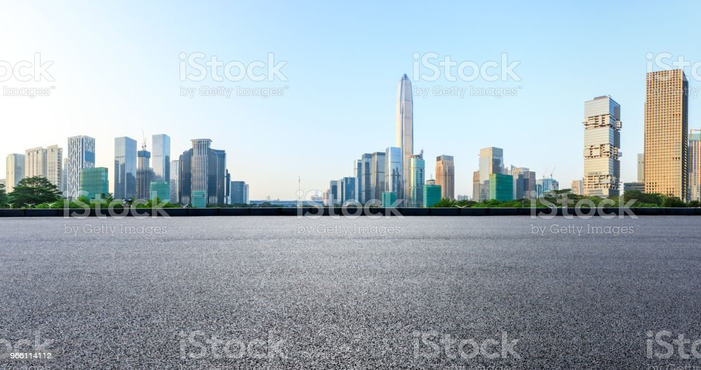 Asphalt square road and modern city skyline panorama in Shenzhen - Royalty-free Alfalto Foto de stock