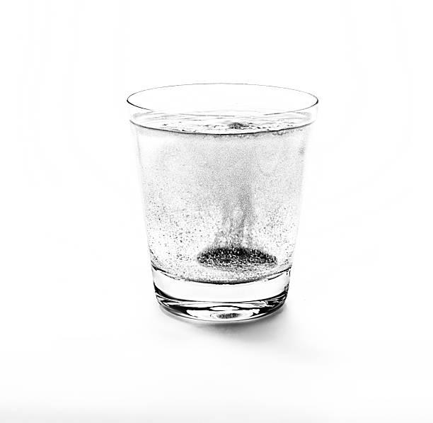 Asprin con burbujas - foto de stock