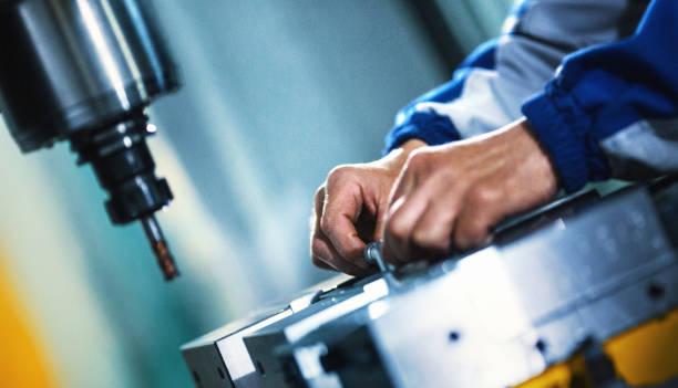アセンブリ労働者 - 金属工 ストックフォトと画像