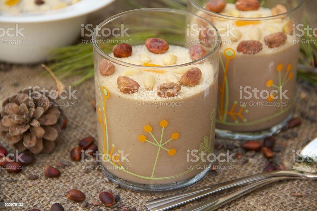 Assidat zgougou- traditional Tunisian dessert foto royalty-free