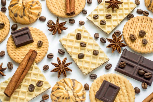 sortierte cookie anis sterne kaffee zimt-waffeln - zimt waffeln stock-fotos und bilder