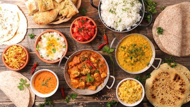 comida indiana sortida - foto de acervo