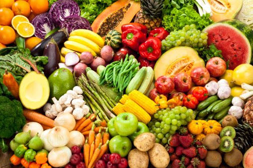 Assortment Of Fruits And Vegetables Background 照片檔及更多 一組物體 照片