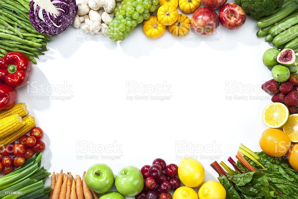 Auswahl an Obst und Gemüse am disponiert einem frame-Form – Foto