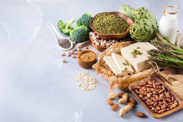 Surtido de fuente de proteína saludable vegana y musculación alimentos - foto de stock