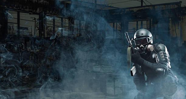 Assult Gewehr terroristischen nach der Apokalypse Soldaten AR - 15 – Foto