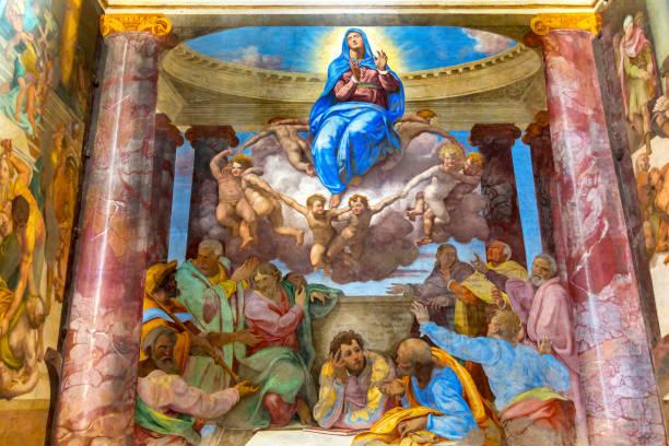 assumption of virgin mary fresco trinita dei monti spanish steps rome italy - ferragosto foto e immagini stock