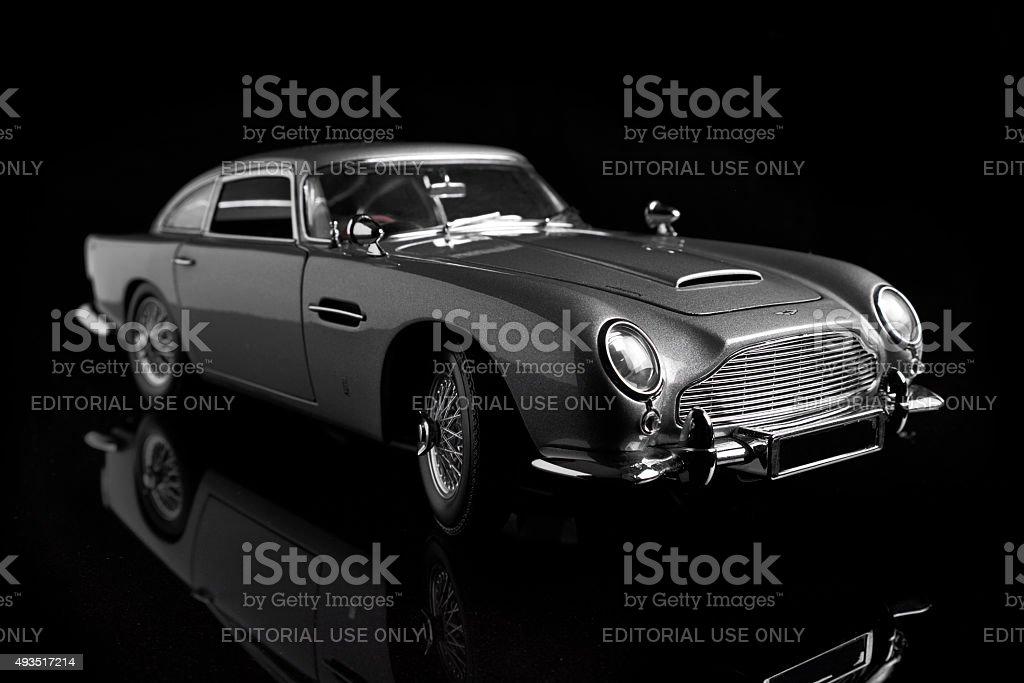 Aston Martin Db5 Model In Schwarz Stockfoto Und Mehr Bilder Von 2015 Istock