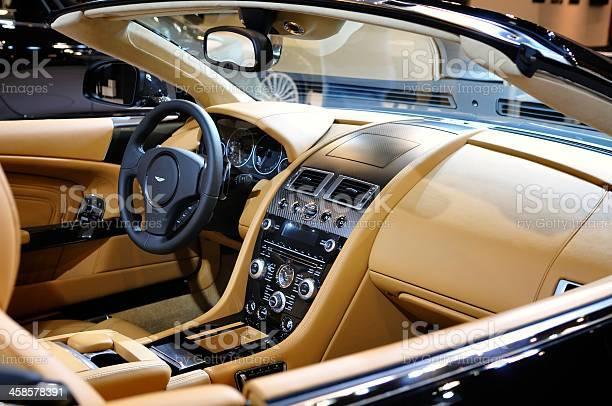 Aston Martin Db9 Innen Stockfoto Und Mehr Bilder Von Armaturenbrett Istock