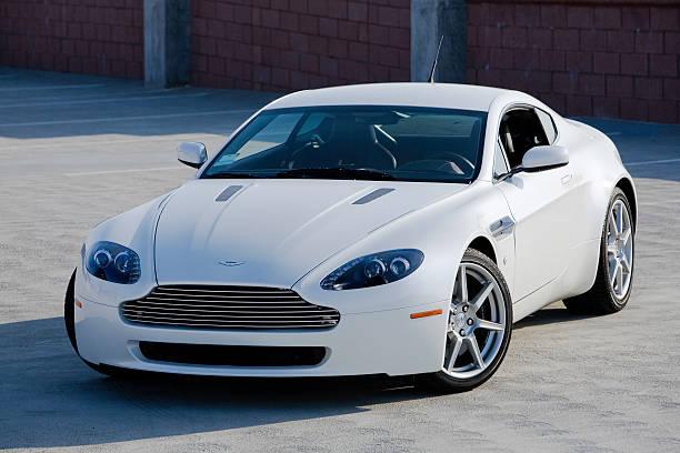 Aston Martin V8 Vantage – Foto