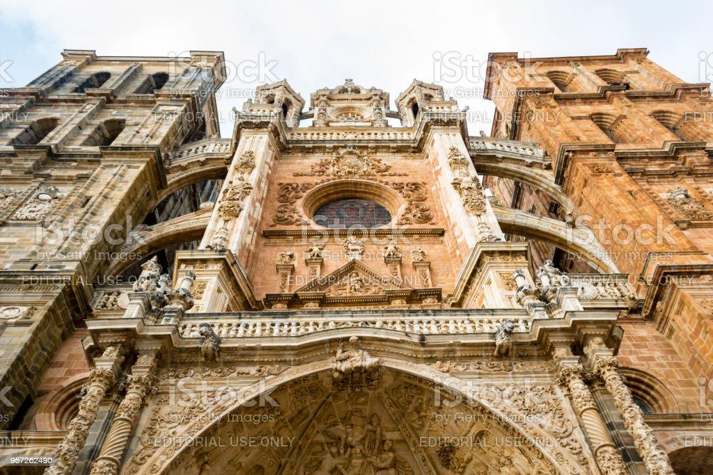 Fachada de la Catedral de Astorga - foto de stock