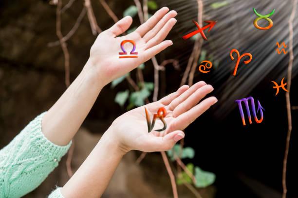astroloji, zodiac işaretleri ellerini çıkar - boğa hayvan stok fotoğraflar ve resimler