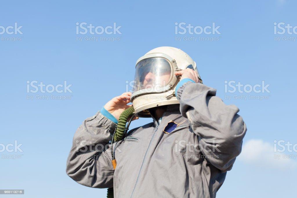 preparando-se para tomar o voo de astronauta - foto de acervo