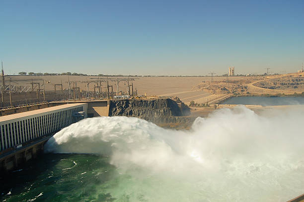 아스완 연강에서 댐-아스완 - 댐 뉴스 사진 이미지
