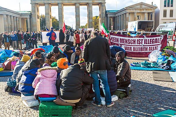 Asylum protest at the brandenburg gate picture id458594101?b=1&k=6&m=458594101&s=612x612&w=0&h=kadpyfcox1nxc 0ywu4jqir3qkaii4dhbiuw9tiqdf0=