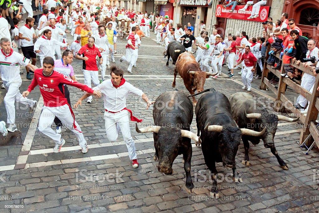 Al festival di San Fermin. Pamplona - Foto stock royalty-free di Adulto