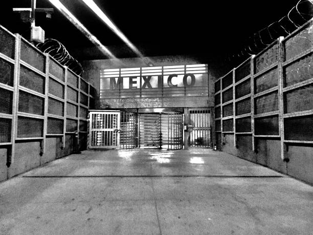 at the border going to tijuana samuel howell stock pictures, royalty-free photos & images