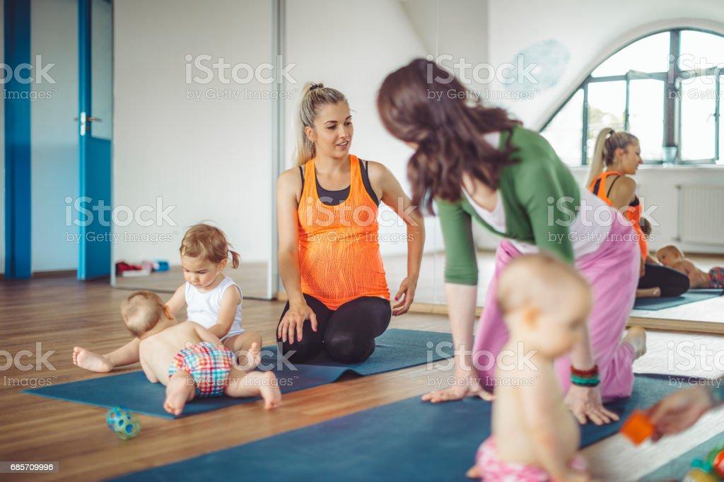 At yoga class foto de stock royalty-free