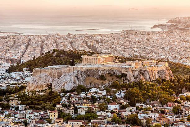Athen und Akropolis bei Sonnenuntergang, Griechenland – Foto