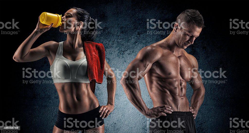 운동가형 남성과 여성 피트니스 운동 후 스톡 사진
