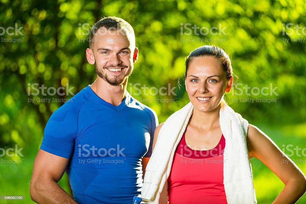 Sportlichen Mann und Frau nach dem fitness-Training  Lizenzfreies stock-foto