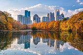 Atlanta, Georgia, USA Piedmont Park skyline in autumn on Lake meer.