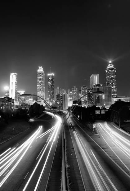 Atlanta Skyline bei Nacht. – Foto
