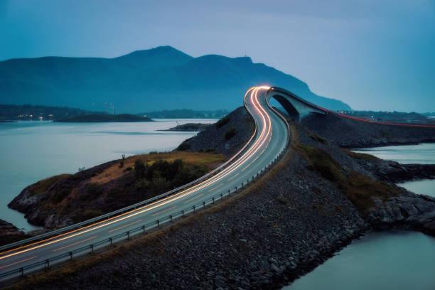 atlantic ocean road norveç - bridge stok fotoğraflar ve resimler