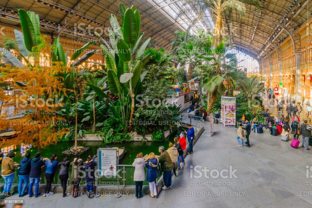 Estación de Atocha, en Madrid - foto de stock