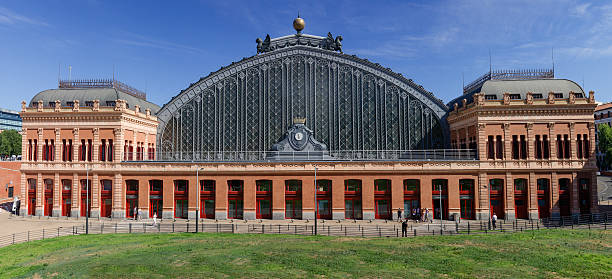 Atocha train station building - foto de stock