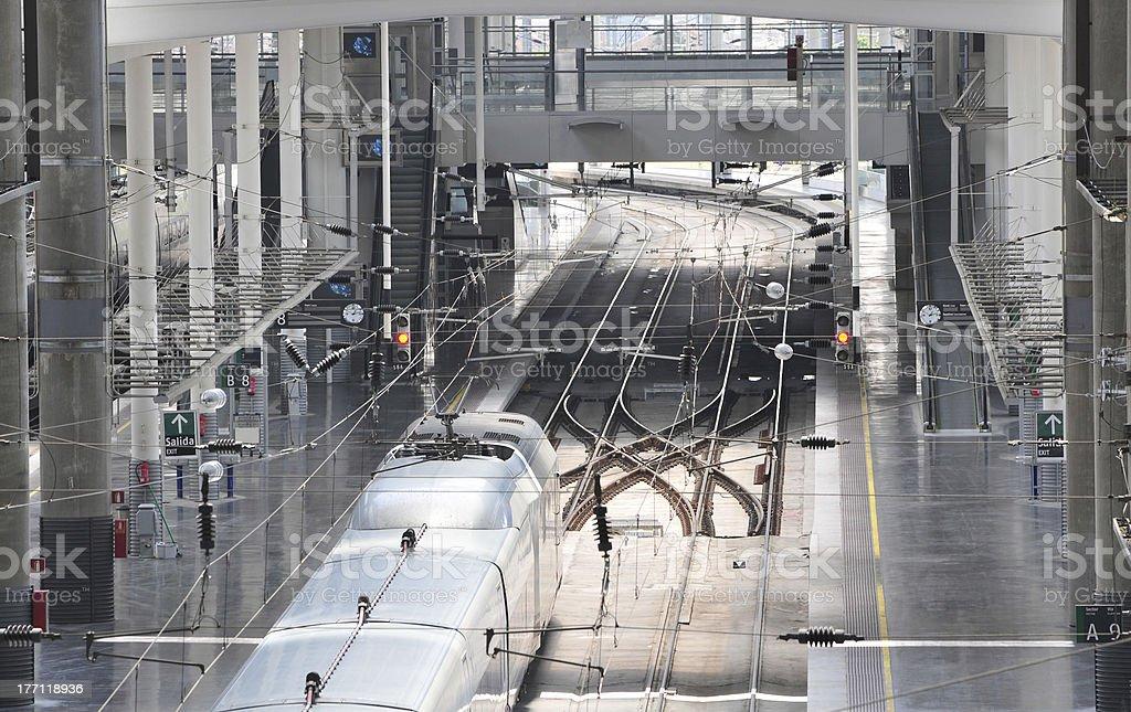 La estación de trenes Atocha-Madrid - foto de stock