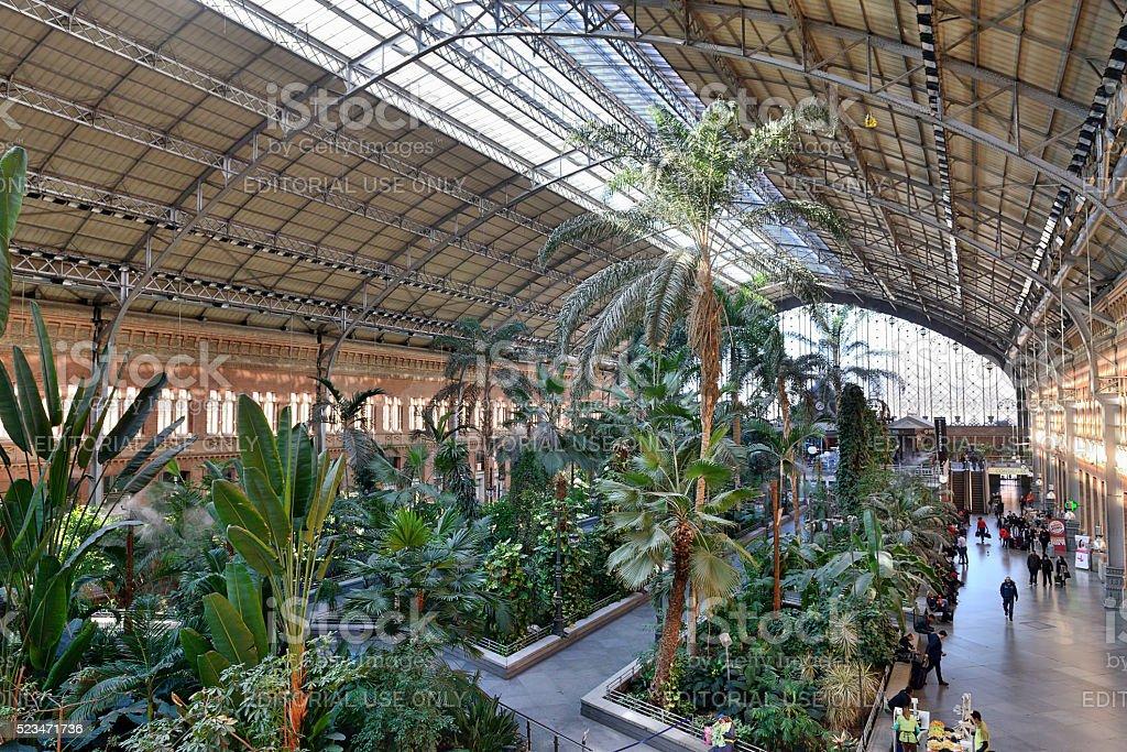 La estación de trenes Atocha - foto de stock