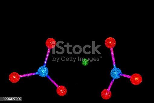 istock atom or molecule structure of Barium Nitrate 1009327020