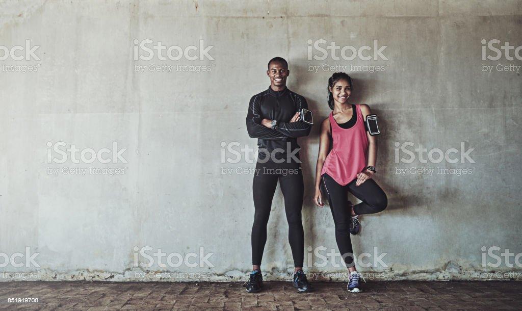 Erreichung und Erhaltung ihrer Fitness-Ziele gemeinsam Lizenzfreies stock-foto