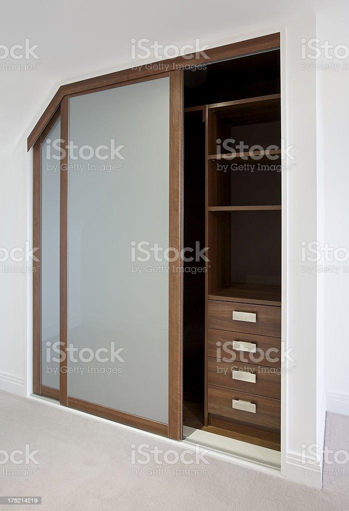 Combles Angle Garderobe Photos Et Plus Dimages De Armoire à