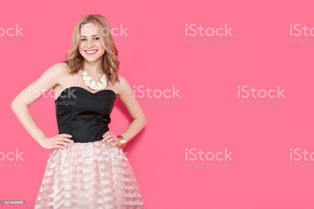 Vestidos de fiesta chica joven