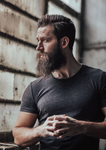 hombre guapo atractivo - macho fotografías e imágenes de stock