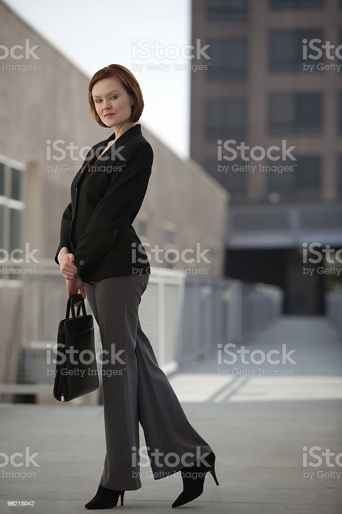 Affascinante donna caucasica brunette thirties foto stock royalty-free
