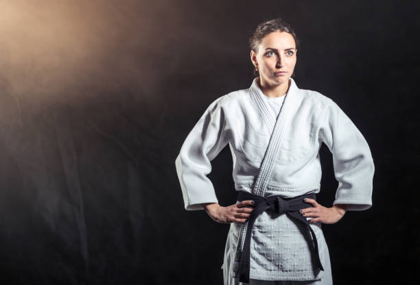 Instructor de Karate mujer atractiva - foto de stock