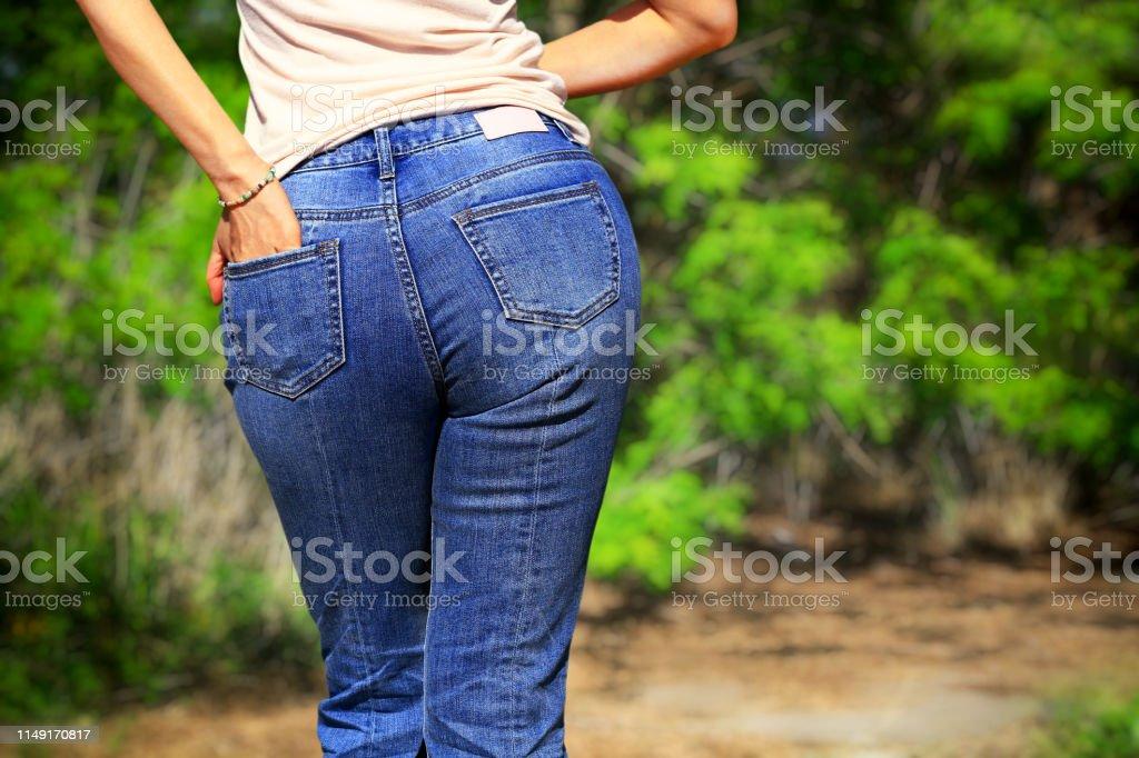 De Photo Des Libre Portant Droit En Femme Pantalons Attirante K1c5uTlJF3
