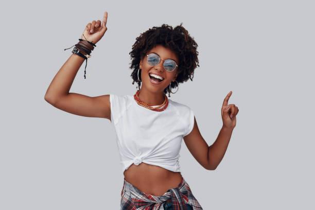 Attraktive junge afrikanische Frau – Foto