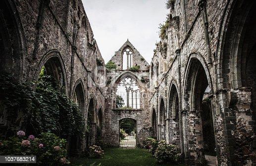 Abbaye bretonne.