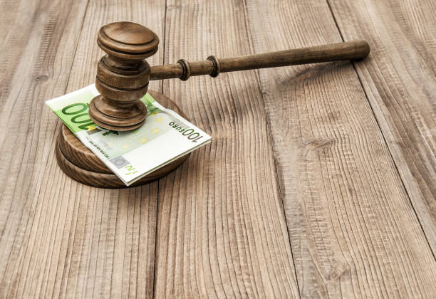 auctioneer hammer with soundboard. judges gavel - wirtschaftsrecht stock-fotos und bilder