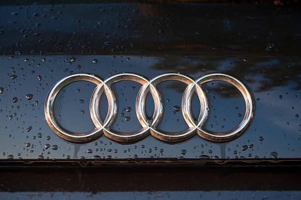 Cтоковое фото Audi логотипом