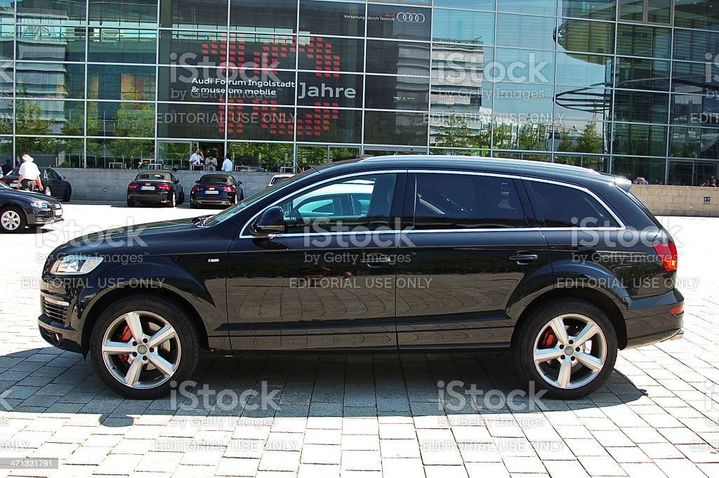 Audi Q7 Stock Photo - Download Image Now - iStock
