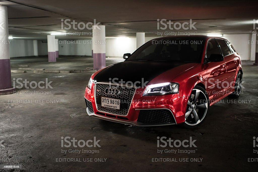 Audi Rs3 Sportback Avvolti In Rosso Chrome Fotografie Stock E